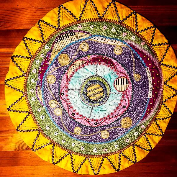 la-nau-blau-patchwork-pansy-mandales-cartell